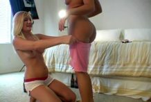 Chesty exgirlfriend Jessie playing with her 2 mates in bedroom