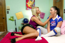 Anikka seduces the youthful lezzie from softball crew