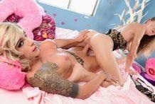 TS Nina & Bio Chick Alina's Eager Rendezvous