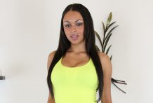 Bethany Benz Super Hawt and LIVE