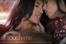Just Paw Me – Chloe Amour Whitney