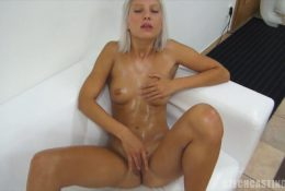 Gorgeous shy novice let stranger to therapeutic massage her frame
