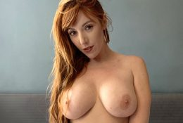 Scorching Redhead Streaming her Intercourse Reside