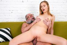 Kiki's Enjoyment With A Slutty Old Guy