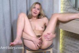Camilla Welcome masturbates after making use of make-up