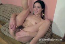Eva Lisana masturbates after commencing her get dressed