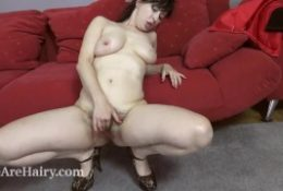 Nikita comes house after a commute to masturbate