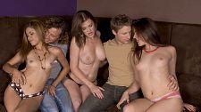 3 Women, Two Guys