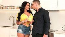 Sandra's Giant Tit XXX Sturm