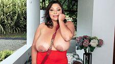 Sofia Damon: A Prize For Breast Males
