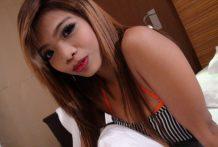 Slutty Thai bargirl sucks and fucks a gorgeous overseas vacationer