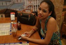 Web courting ends up in steamy lodge intercourse with tipsy Filipina babe Vanessa