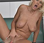 Mimi Smith GILF Play