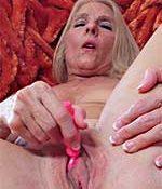 Chery Leigh Buxom Blonde