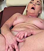 Paris Rose Mature Blonde MILF
