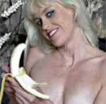 Golden-haired mother I'd like to fuck Angelique H